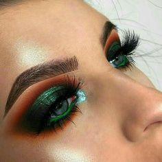 Green smokey eye | new years makeup | eyeshadow look
