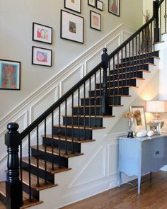 Top 70 Best Painted Stairs Ideas - Staircase Designs From grey solid stripes to colorful ornate patterns, discover the top 70 best painted stairs ideas. House Design, Staircase Decor, House Styles, New Homes, Diy Staircase, Stairway Design, Hallway Designs, Painted Stairs, Stairs Design