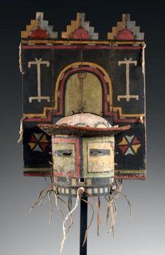 Exceptionnel Masque de Kachina SIO HEMIS, HOPI, Arizona, USA Circa 1890-1900