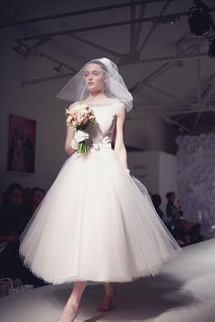 Tea Length Wedding Dress, Tea Length Dresses, Dream Wedding Dresses, Wedding Gowns, Vintage Gowns, Vintage Bridal, Cute Celebrity Couples, Pretty White Dresses, Glamorous Wedding