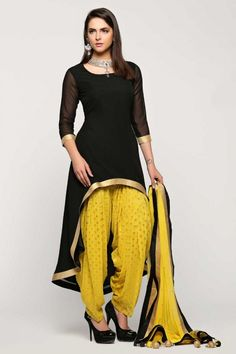 Looking for latest designs punjabi patiala suit collection? Buy patiala salwar kameez from the leading online women clothing store. Andaaz Fashion offers you latest Indian/Pakistani designer punjabi patiala salwar suit in Southall, UK. Party Wear Indian Dresses, Indian Fashion Dresses, Indian Designer Outfits, Indian Outfits, Eid Dresses, Kurti Designs Party Wear, Kurta Designs, Blouse Designs, Dress Designs