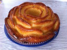 Gâteau au yaourt : très bon, la prochaine fois je tenterais d'ajouter des pépites de chocolat :)