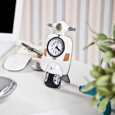 Beyaz Motosiklet Masa Saati