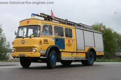 Historical Fire Engines Europe: A unique collection of photographs and technical information about historical fire engines. Old Trucks, Fire Trucks, Vauxhall Motors, Fire Engine, Engineering, Appliances, Europe, Usa, Vehicles
