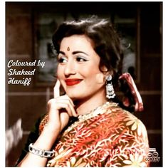 Evergreen real beauty of beautiful Madhubala Beautiful Bollywood Actress, Most Beautiful Indian Actress, Beautiful Actresses, Indian Actresses, Actors & Actresses, Bengali Saree, Bollywood Pictures, Vintage Bollywood, Beautiful Figure