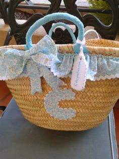 Con P de P Basket Crafts, Basket Liners, Pouch, Wallet, Baby Care, Fabric Crafts, Straw Bag, Baby Shower, Handmade