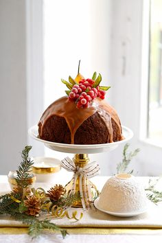 Christmas pudding with Oporto sauce Big Mac, Chocolate Bundt Cake, Crepe Cake, Christmas Pudding, Biscuit Cookies, Food Gifts, Food Pictures, Food Styling, Cupcake Cakes