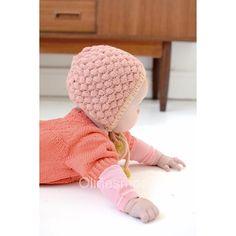 «Nyt indlæg på bloggen. Om #lilleebbasboblekyse's hårde fødsel og ja så er opskriften endelig til salg på @littlevintageknits #knit #knitting #knitforbaby…»