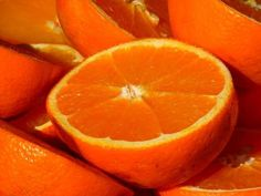 Is your orange juice poisonous? These Are 5 Major Orange Juice Brands Which Can Contain Cancer-causing Monsanto's Glyphosate. Orange Fruit, Orange Oil, Orange Juice, Orange Smoothie, Colorful Fruit, Zero Calorie Foods, Sweet Orange Essential Oil, Jus D'orange, Oil Benefits