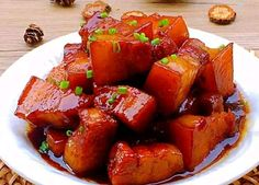Delicious braised pork should be made in different ways. Recommend the simplest and most original braised pork that everyone can make. Chinese Food Menu, Cooking Chinese Food, Best Chinese Food, Sauce Recipes, Cooking Recipes, Brown Sauce, Braised Pork, Learn To Cook, No Cook Meals