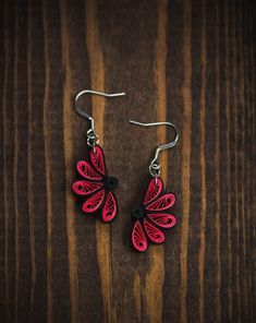 Paper Quilling Earrings, Paper Quilling Flowers, 3d Quilling, Paper Quilling Designs, Quilling Paper Craft, Quilling Patterns, Quiling Earings, Paper Jewelry, Paper Beads