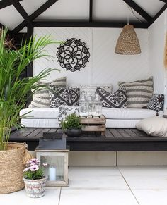Ultimate Deck And Patio Area Retreat For Easy Living – Outdoor Patio Decor Outdoor Seating, Outdoor Rooms, Outdoor Living, Outdoor Decor, Garden Seating, Back Porch Designs, House With Porch, Living Styles, Interior Design