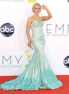 Julianne Hough Emmys 2012. I am so in love with her dress!!!!<3 This is a dress I would totally wear on the red carpet :)