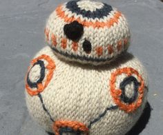 BB-8 has to be the coolest wee droid ever (there is a small part of me feeling bad for ol' R2-D2...). Now you can knit one for yourself.You will need:- 5 x 4mm double pointed knitting needles- DK (8ply) yarn in White, Orange, Grey and Black- Fibre fill for stuffing- Darning needleI used yarn from the Skeinz Vintage range, which you can find here. (I used Porcelain instead of white as BB-8 was in the desert and clearly got a tiny bit dirty... but white is an easier shade to find).