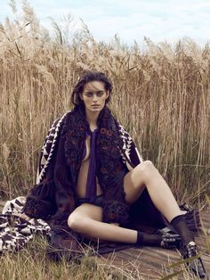 Elle Australia   August, 2014   Model Jenna Klein   Photographed by Holly Blake   Styled by Sara Smith