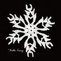 Free - Snowflake crochet patterns // by Snowcatcher Free Crochet Snowflake Patterns, Crochet Stars, Christmas Crochet Patterns, Holiday Crochet, Crochet Snowflakes, Crochet Motif, Christmas Knitting, Diy Christmas Snowflakes, Crochet Christmas Decorations
