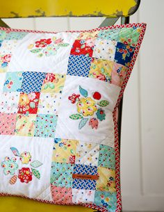 Weekend Quilting – Minki's Work Table. Fabric: Arbor Blossoms designed by Nadra Ridgeway for Riley Blake Designs