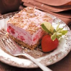 Yummy Frozen Strawberry Dessert (I think I'll make this tonight!)