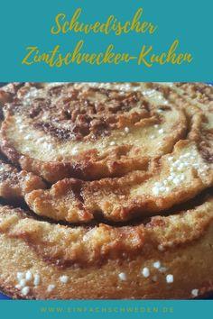 Soll es einmal eine Alternative zur klassischen Zimtschnecke sein, dann ist dieser Zimtschnecken-Kuchen genau das richtige. Ein schwedischer Kladdkaka, der nach Zimt und Kardamom schmeckt und super einfach zu backen ist. #einfachschweden #zimtschnecke #kanelbulle #kladdkaka Fika, French Toast, Breakfast, Cinnamon Roll Cakes, Nordic Kitchen, Swedish Recipes, Coffee Break, Food And Drinks, Morning Coffee