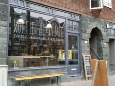 Koffie Academie Amsterdam: coffee bar on the Overtoom | http://www.yourlittleblackbook.me/koffie-academie-amsterdam/