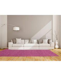 Alfombra Catay berenjena de gran calidad. Descubre nuestras gran selección de alfombras lisas y de pelo corto, gran variedad de tamaños y colores en Revitex
