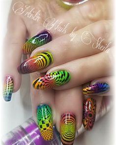 Ombre pigments and stamping Neon Nail Art, Neon Nails, Long Nail Designs, Nail Art Designs, Nail Design Kit, Grow Long Nails, Natural Looking Nails, Cute Short Nails, Popular Nail Art