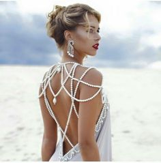 Now that your big day is almost here and your dream dress has already been ordered, it is time to choose the right neckpieces which can accentuate your bridal allure as you walk down in the aisle. Evening Dresses, Prom Dresses, Formal Dresses, Wedding Dresses, Mode Outfits, Dress Outfits, Dress Shoes, Shoes Heels, Shoulder Necklace