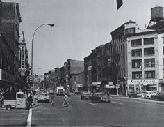 Here is the same intersection in 1975. No more elevated; no more horses and wagons. Chinatown has edged in, yet most of the tenements that existed 87 years earlier are still there.  boweryandcanal1975.jpg (2278×1759)