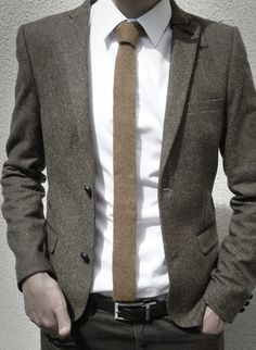 Another perfect office attire.