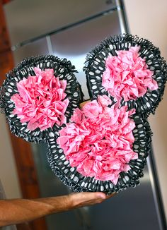 DIY Pinata for Minnie Mouse party! Minnie Mouse Theme Party, Mickey Mouse Bday, Minnie Birthday, Mickey Party, 3rd Birthday Parties, Mouse Parties, Birthday Fun, Birthday Ideas, Birthday Stuff