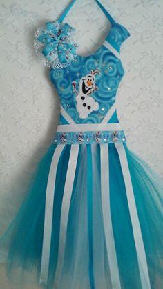 My handmade frozen tutu bow holder