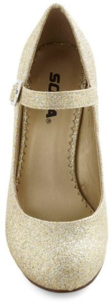 Fortune Dynamic Yes I Candescent Heel in Gold in Gold