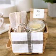 Breakfast Basket : Banana Bread and Whipped Honey Butter make a great hostess gift or a Homemade Gift for Mom on Mother's Day