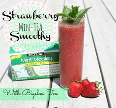 Strawberry Min-TEA Smoothie with Bigelow Tea #AmericasTea - Do Small Things with Love