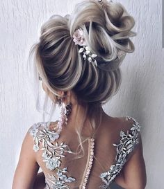 20 diy ponytail hairstyle ideas for you 62 Ponytail Hairstyles, Bride Hairstyles, Cool Hairstyles, Hairstyle Ideas, Hair Ponytail, Flower Hairstyles, Beach Hairstyles, Teenage Hairstyles, Men's Hairstyle