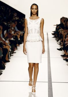 ELIE SAAB Ready-to-Wear Spring Summer 2014 - White Structure - perfection.