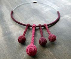 Very fine crochet tubes and beads choker winered by zsazsazsu1963, €55,00