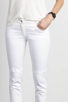 The perfect white jeans.