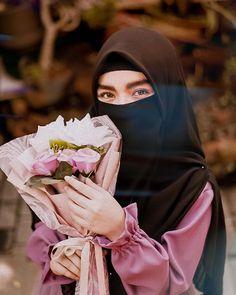 Hijab Niqab, Hijab Chic, Mode Hijab, Muslim Fashion, Hijab Fashion, Fashion Outfits, Cute Girl Pic, Cute Girls, Hijab Cartoon