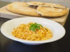 Συνταγή: Πεντανόστιμο κριθαρότο με μυρώνια via @enalaktikidrasi Risotto, Macaroni And Cheese, Food Porn, Healthy, Ethnic Recipes, Mac And Cheese, Health, Treats