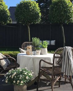 """3,360 Likes, 121 Comments - Kirsten Skovbon (@skovbon) on Instagram: """"A beautiful day in the garden☀️ #interior #interiør #homestyling #mywestwingstyle #boho…"""""""