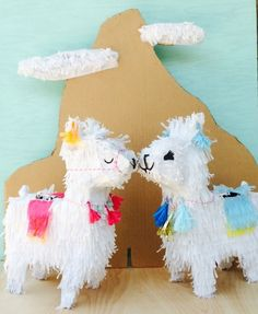 Como se llama?  This darling llama piñata would be great for your next boho themed party!  Adorned with tassels and pom poms just like those fancy llamas in Peru!  All colors can be changed to coordinate with your event.  24 inches tall Listing is for one llama only  All pieces are handcrafted in southern California upon order and take between 3-4 weeks to process. Rush orders may be available if our schedule permits so feel free to contact us if you're interested.  Piñatas comes ready to…
