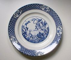 #BritanniaPottery Glasgow Moyen Plate, £25.00 by Ann Shirley: Lovely 10 inch blue and white Moyen pattern plate from the 1920s made by Britannia Pottery Coy Ltd, Glasgow in the 1920s. There is a bit of crazing which does not detract from the look of the plate and some small marks on the back, other than that it is in really good condition for its age.  I am happy to combine postage and will refund any overpaid amounts when I have calculated the actual cost...