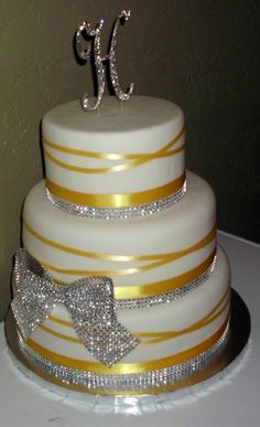wedding cake with bows and bling wedding anniversary cakes on 25th anniversary 26837