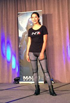 BioWare Fashion show: Mass Effect - N7 scoop neck top & Commander Shepard leggings #geekfashion