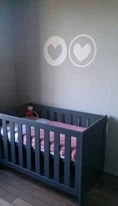 Babykamer# meisjeskamer# muurdecoratie# wit# rose# mint# grijze meubels# girl# girlsroom