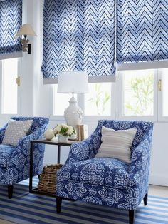 Beautiful Roman shades in blue and white with coordinating chairs. What a fun transitional living room for a coastal home or summer/beach house! Blue Rooms, White Rooms, Navy And White Living Room, Blue Bedroom, Poltrona Vintage, South Shore Decorating, Home And Deco, White Houses, White Decor