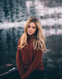 Pinterest ~ kaelimariee // Kaeli Marie  Instagram ~ kaelimariee Perfect look with my nigh neck red winter dress
