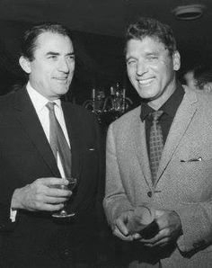 Actors Gregory Peck and Burt Lancaster Posing Together Date Photographed: ca. Hollywood Men, Hooray For Hollywood, Golden Age Of Hollywood, Hollywood Glamour, Hollywood Stars, Classic Hollywood, Hollywood Icons, Gregory Peck, Classic Movie Stars