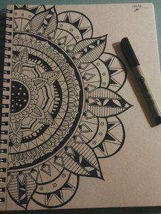 Doodle Art, Mandala Doodle, Mandalas Painting, Mandalas Drawing, Cool Art Drawings, Art Sketches, Dibujos Zentangle Art, Butterfly Drawing, Indian Folk Art